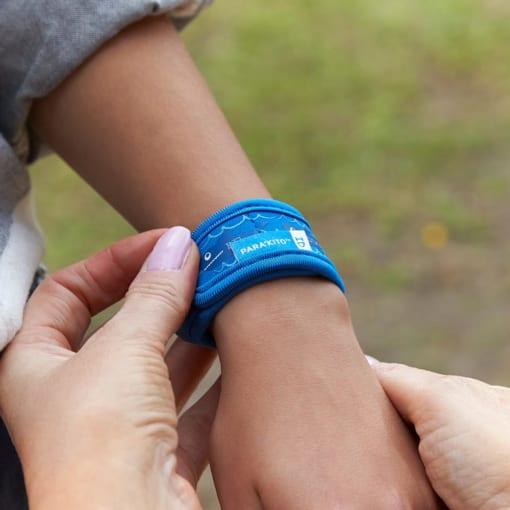 vòng đeo tay chống muỗi